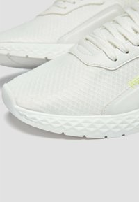PULL&BEAR - Trainers - white - 4