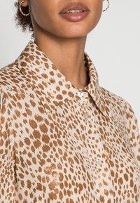 Rich & Royal - DRESS WITH LEO PRINT - Shirt dress - beige - 4