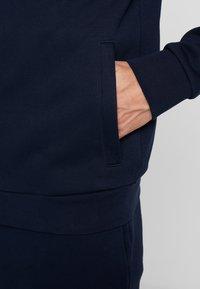 Lacoste Sport - TRACKSUIT - Dres - navy blue - 7