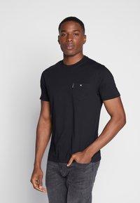 Ben Sherman - SIGNATURE TEE - Basic T-shirt - black - 0