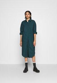 Monki - CAROL DRESS - Košilové šaty - dark green - 1