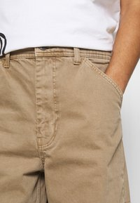 BDG Urban Outfitters - CARPENTER JEAN - Straight leg jeans - caramel - 5