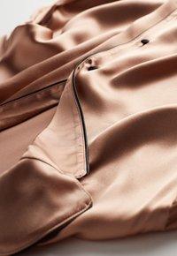 Intimissimi - JACKE IM HERRENSCHNITT AUS SATIN UND SEIDE - Pyjama top - rose satin - 3