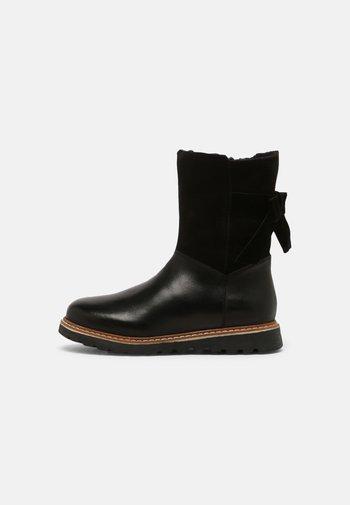 LEATHER - Snowboots  - black