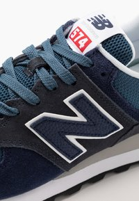 New Balance - 574 - Sneakers basse - stone blue outerspace (ML574EAE) - 5