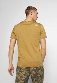 The North Face - M S/S EASY TEE - EU - T-Shirt print - british khaki - 2
