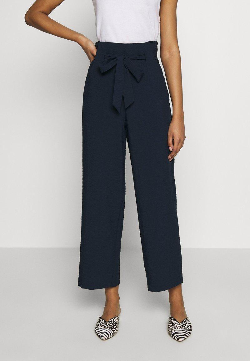 Vila - VILINEA WIDE PANTS - Bukse - navy blazer
