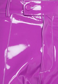 GCDS - DOUBLE STITCH SHORTS - Shorts - fuxia - 3