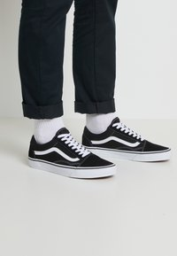 Vans - OLD SKOOL - Skate shoes - black - 0