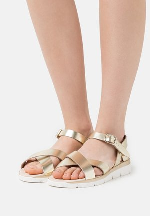 LINEAS - Sandals - or