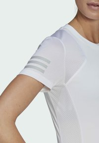 adidas Performance - CLUB TEE - T-shirt print - white/gretwo - 4