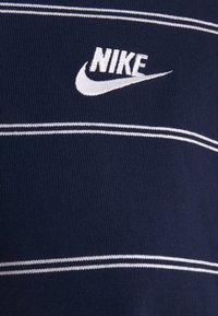 Nike Sportswear - STRIPE - Jumper - midnight navy/white - 8