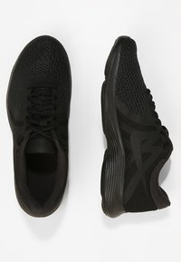 Nike Performance - REVOLUTION - Løbesko trail - black/black - 1