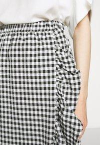 Bruuns Bazaar - SEER JESSIE SKIRT - Áčková sukně - black/white - 5