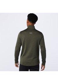 New Balance - Sports shirt - oak leaf green heather - 2