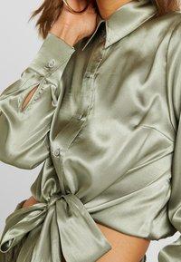 Topshop - TIE FRONT SHIRT - Overhemdblouse - olive - 5