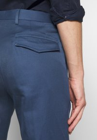 PS Paul Smith - MENS TROUSER PLEATED - Stoffhose - blue - 5