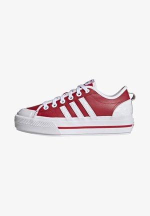 NIZZA PLATFORM  - Sneakers - scarlet/footwear white/core black