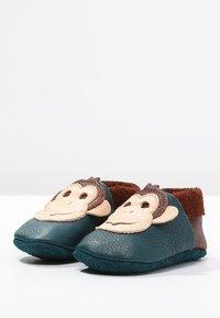 POLOLO - AFFE KING LUI - First shoes - coconut/karibik - 2