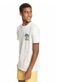 Quiksilver - ISLAND PULSE - Print T-shirt - snow white - 3