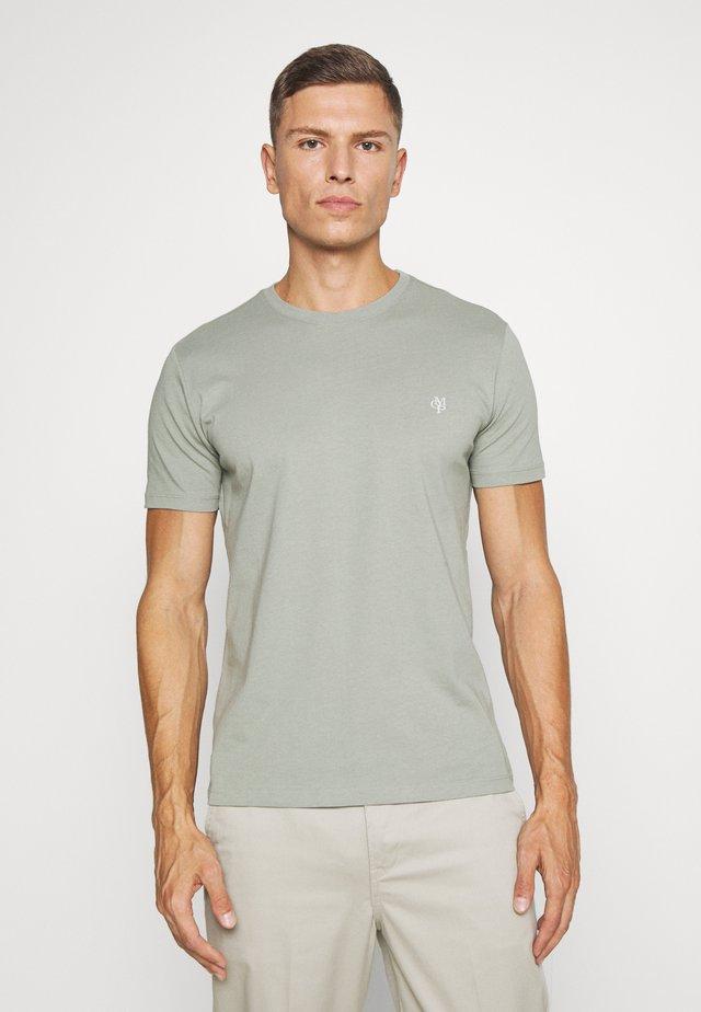 SHORT SLEEVE COLLA - T-shirt basic - shadow