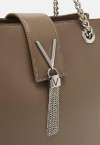 Valentino Bags - DIVINA - Handbag - taupe - 3