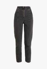 Topshop - DART MOM - Džíny Relaxed Fit - washed black - 4