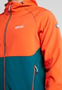 Regatta - AREC  - Soft shell jacket - orange/teal - 5