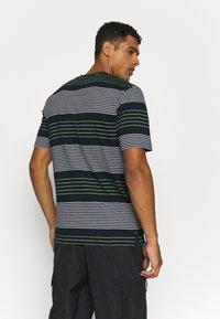 Marshall Artist - KENMARE - T-shirt z nadrukiem - navy - 2