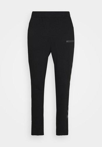 LEGACY PANTS - Verryttelyhousut - black
