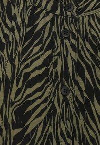 Moss Copenhagen - CALIE MOROCCO - Button-down blouse - sage - 2