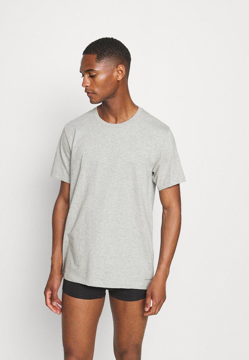 Calvin Klein Underwear - CLASSICS CREW NECK 3 PACK - Camiseta interior - grey