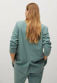 Violeta by Mango - FLEW - Short coat - grün - 2
