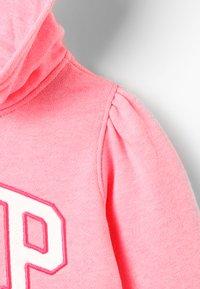 GAP - TODDLER GIRL ARCH POP  - Mikina skapucí - pink pop neon - 5