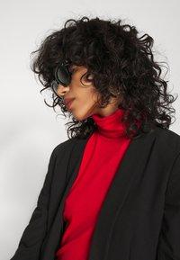 Weekday - CHIE TURTLENECK - Long sleeved top - red - 4