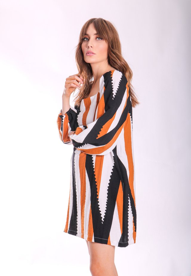 Day dress - one colour