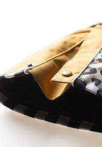 WeeDo - CHEETADO  - Skipak - leoprint brown - 3
