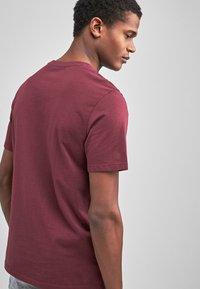 Next - MAROON - Basic T-shirt - red - 1