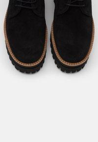 Paloma Barceló - LISBOA - Šněrovací kotníkové boty - black - 6