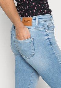 ONLY Petite - ONLSHAPE LIFE  - Skinny džíny - light blue denim - 4