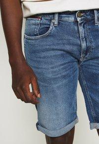 Tommy Jeans - RONNIE - Denim shorts - blue denim - 3