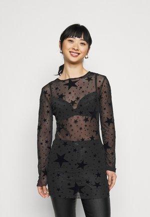 STAR FLOCKED BODYCON DRESS - Koktejlové šaty/ šaty na párty - black