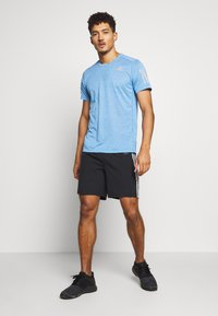 adidas Performance - OWN THE RUN TEE - Triko s potiskem - globlu - 1