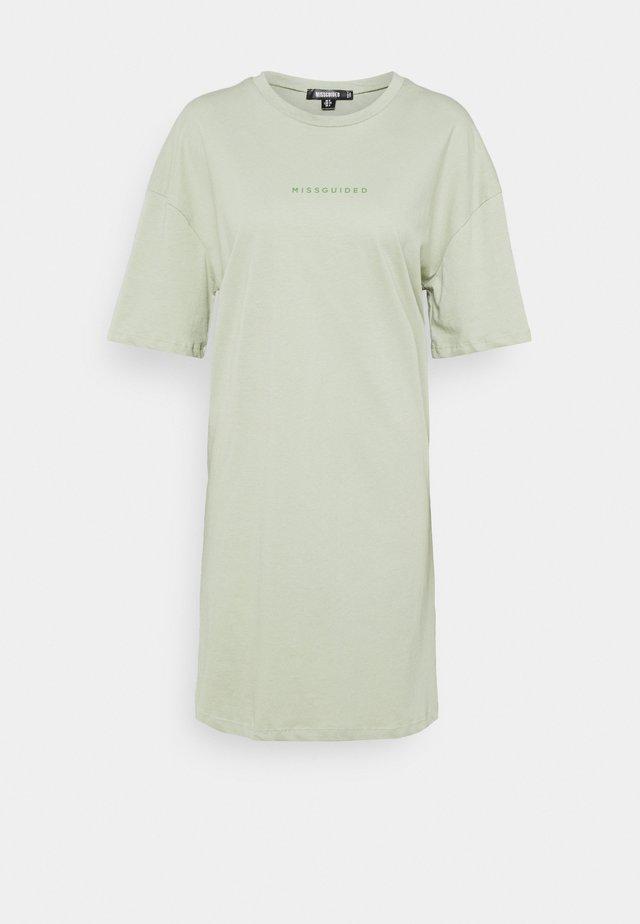 BRANDED TEE DRESS - Žerzejové šaty - green