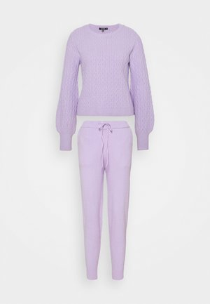 TEXTURED JUMPER AND JOGGER SET - Strikkegenser - lilac