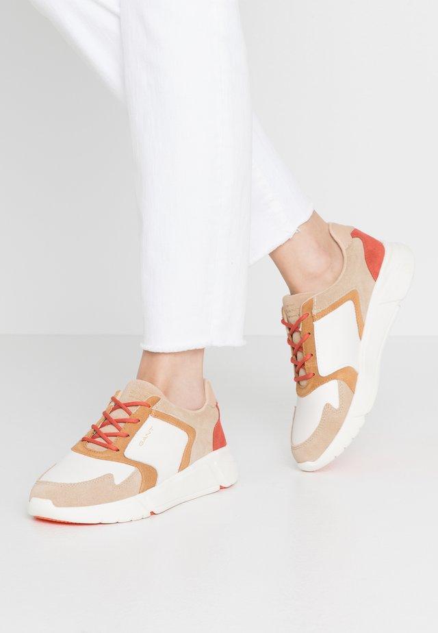COCCOVILLE - Baskets basses - cream beige/orange