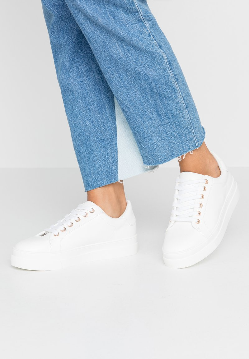 Topshop - CANDY LACE UP TRAINER - Sneakers - winter white