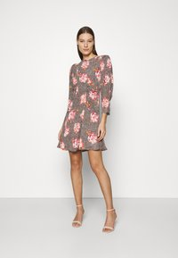 byTiMo - SPRING MINI DRESS - Vapaa-ajan mekko - light pink - 1