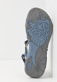 Hi-Tec - SAVANNA II  - Chodecké sandály - flinstone/charcoal/dusty blue - 4