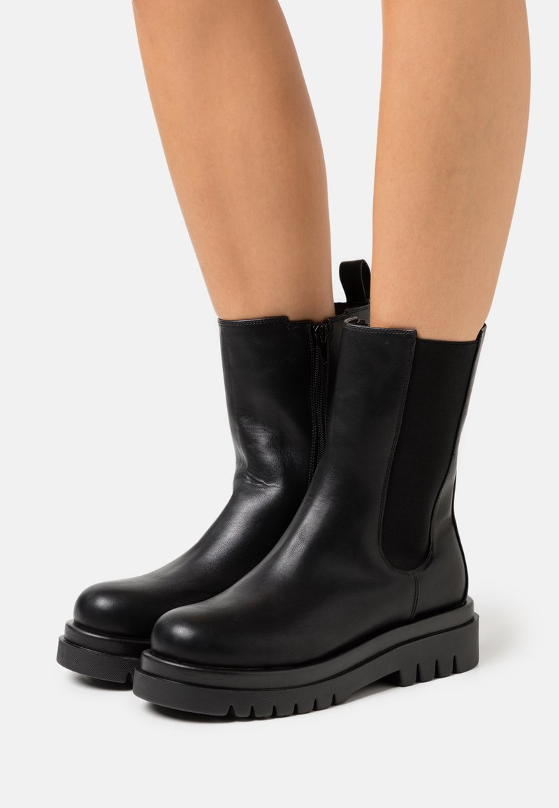 Missguided - PULL ON TAB BOOTS - Platform boots - black